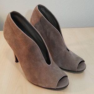 TESORI grey leather peep toe booties 7.5